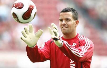Dennis Gentenaar, tijdens de warming up van Ajax-NEC (2006-2007)